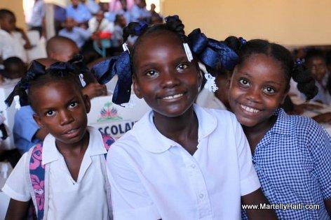 PHOTO: Haiti - Elev Lekol Piblik nou yo...