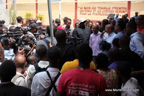 PHOTO: Haiti - PM Laurent Lamothe Lekol Piblik nan Potoprens