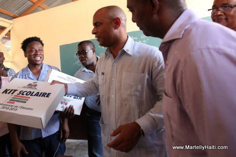 PHOTO: Haiti - PM Laurent Lamothe Lekol Piblik nan Potoprens