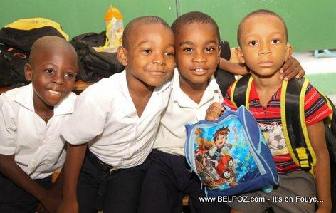 PHOTO: Haiti - Elèv Lekòl nou yo, Future peyi-a