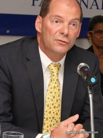 PHOTO: Stuart Smith - Representant Ambassade Americaine en Haiti