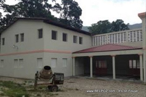 PHOTO: Haiti Education - Nouveau Lycee de Savanette ke Gouvenman Martelly-Lamothe la fek konstwi