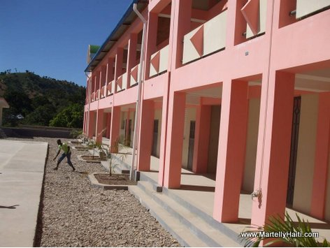 PHOTO: Haiti Education - Nouveau Lycée National Fortuné Audate de Monbin Crochu, Nord-Est Haiti...