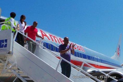 PHOTO: Haiti - President Martelly Ateri nan vol Inaugural American Airlines nan Aeroport Cap Haitien