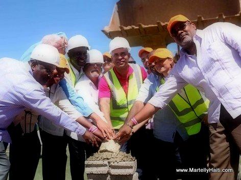 PHOTO: Haiti - Premier Roche la depoze pou construction yon Aeroport nan Ville Jeremie
