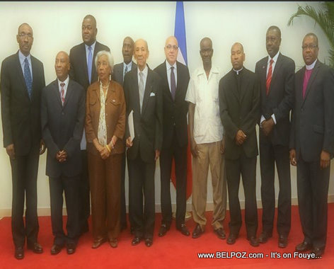 PHOTO: Haiti - 11 membres de la Commission Consultative