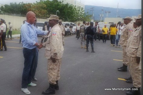 PHOTO: Haiti - President Michel Martelly Visite Base CIMO