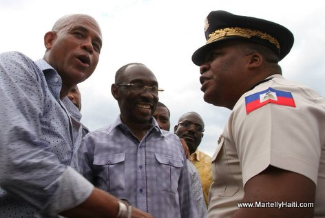 PHOTO: Haiti - President Michel Martelly, Evans Paul ak Gosdon Orelus sou Warf Jeremie
