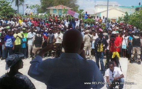 PHOTO - Haiti - President Martelly nan  Ile-a-Vache March 2015