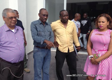 PHOTO: Haiti PM Evans Paul vizite cine triomphe ak Kiosque Occide Jeanty sou Champs-de-Mars