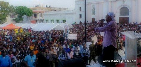PHOTO: Haiti - President Martelly pale ak pep Cap-Haitien, Li di...