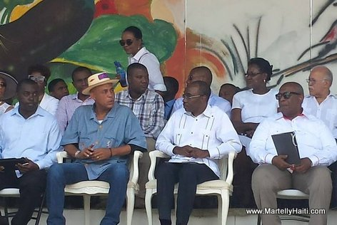 PHOTO: Haiti - President Martelly nan lansman fèt 1er Mai 2015