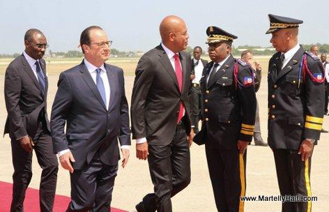 PHOTO: Haiti - President Francois Hollande ap kite peyi d'Haiti