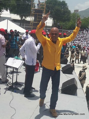 PHOTO: Haiti - President Martelly, de dwet anle nan Inauguration Kiosque Occide Jeanty