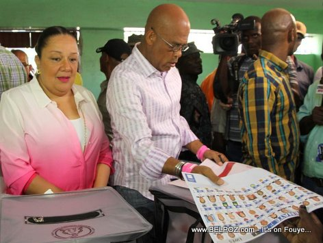 PHOTO: Haiti - President Martelly ap Vote nan Elections