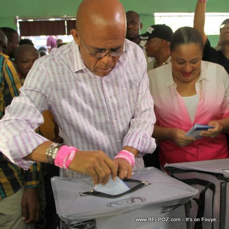 PHOTO: Haiti - President Martelly k ap Vote nan Elections