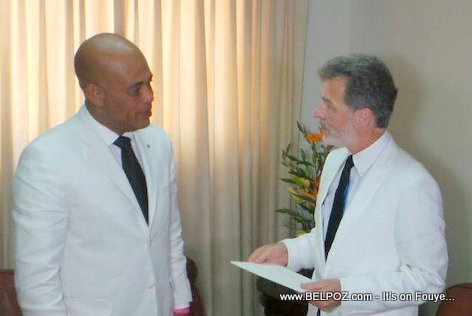 PHOTO: Haiti - President Martelly and New US Ambassador Peter Mulrean