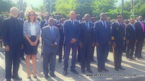 PHOTO: Haiti 18 Nov 2015 - President Martelly ak Gouvenman an nan devan MUPANAH
