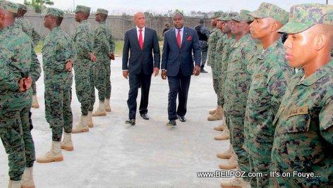 PHOTO: Haiti - President Martelly et Le Corps des Ingénieurs Militaires Haitiens