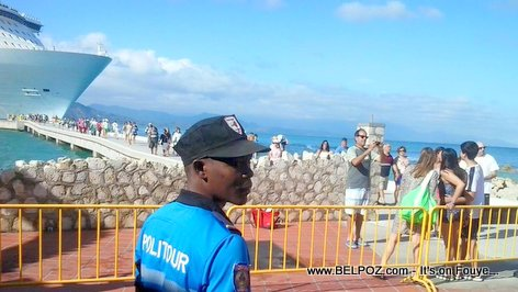 PHOTO: Haiti - Politur at Labadie