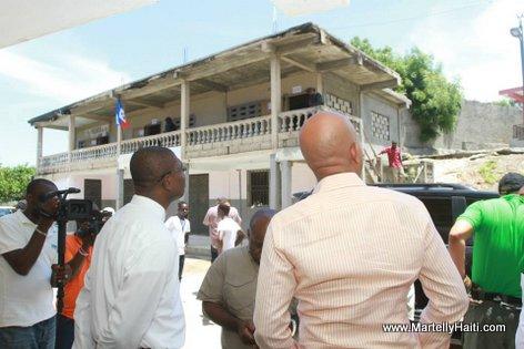 President Michel Martelly - Travaux de construction du Lycee Saint Luc de Jeremie