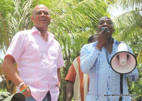 Le Depute de la 1ere Circonscription de l'Acul-du-Nord, M. Jobes Jolicaire Michel, exprimant sa satisfaction par rapport a la deuxieme visite du Chef