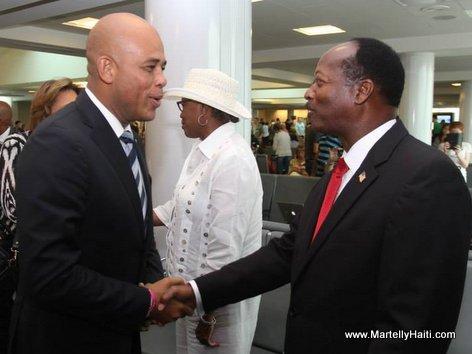 President Michel Martelly est recu par le Commissioner Samuel B. Ings