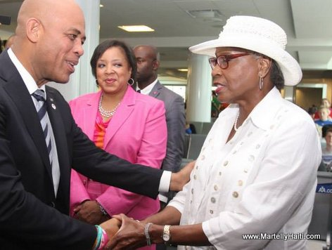 President Michel Martelly et la Commissioner du District 6, Madame Daisy W. Lynum