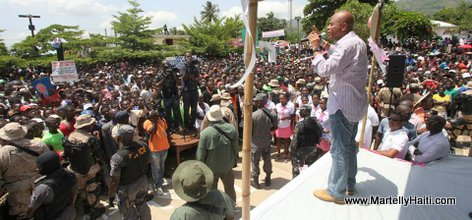 President Michel Martelly s'adressant a la population