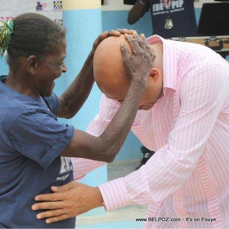 Haiti - President Martelly kite pep la ap jwe nan tet li, tout bon!