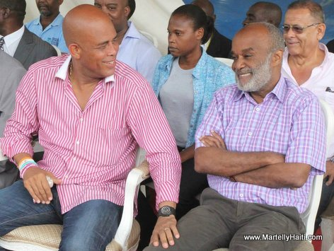 President Michel Martelly ak President Rene Preval, Yo chita ansanm ap ri...