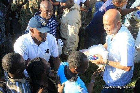 Haiti President Martelly rankontre avek abitan Bois-Neuf