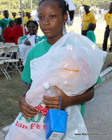 Haiti - President Martelly celebre fet nwel 2013 la ak timoun yo nan Palais National