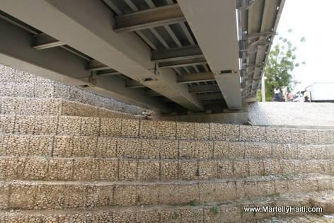 Nouveau Pont sur la Route Nationale No. 1, Riviere Courjolle, Arcahaie Haiti...