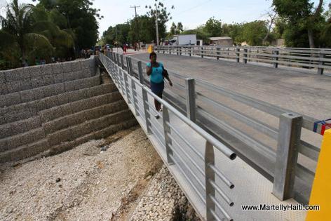 Nouveau Pont sur la Route Nationale No. 1, Riviere Courjolle, Arcahaie Haiti