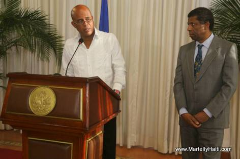 President Martelly - Immortel Dany Laferriere Reception Officielle - Palais National Haiti