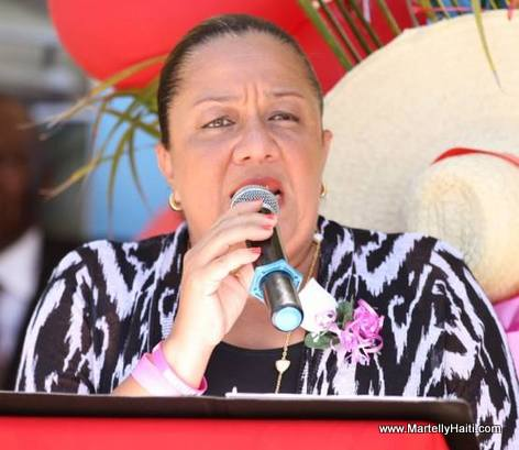 PHOTO: Haiti Premiere dame Sophia Martelly - Ecole Nationale Maranatha de Golas (Port-de-Paix)
