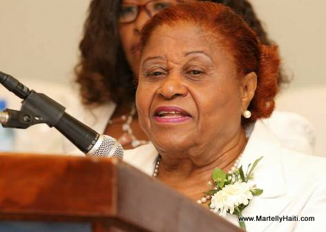 Lucile Charles, presidente de l'Association Nationale des Infirmieres et Infirmiers Licencies d'Haiti (ANILH)