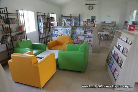 Librairie du Lycee Jean-Baptiste Pointe du Sable - St-Marc Haiti
