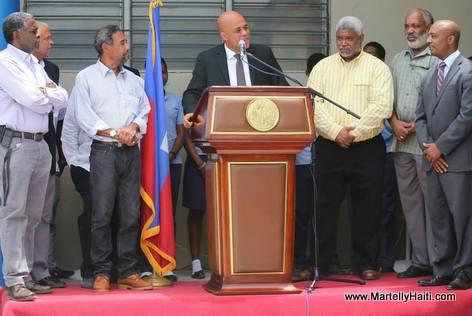 President Michel Martelly visit le Centre D'Etude Secondaire