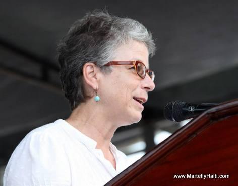 President Martelly nan vil Aquin pou Lansman kanpay rebwazman