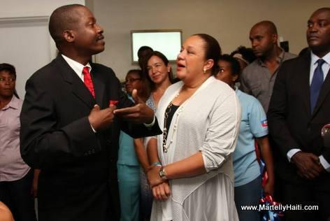 Sophia Martelly et le Directeur de l'Hôpital du Sacré-Coeur de Milot, Dr Harold Previl.