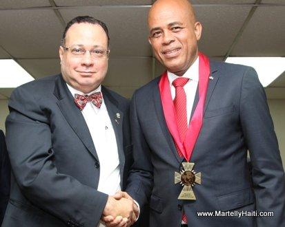President Michel Martelly et Gilberto Boutin, Doyen de la faculte de Droit et des Sciences politiques de l'Universite de Panama. Gilberto Boutin
