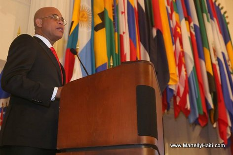 President Martelly - ceremonie remise de diplomes College Interamericain de Defense (CID))