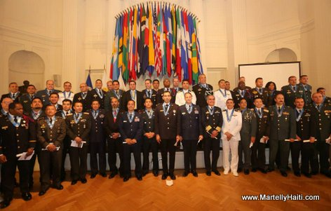 President Martelly - ceremonie remise de diplomes College Interamericain de Defense (CID)