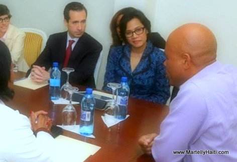 PHOTO: President Michel Martelly, Directrice Banque mondiale Muliani Indrawati