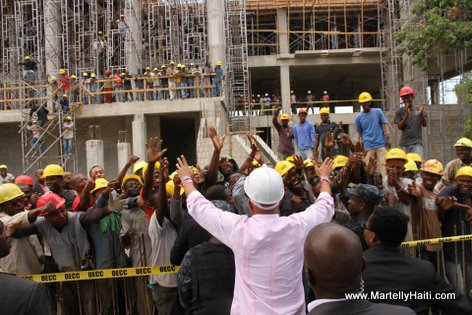 PHOTO: Haiti Reconstruction - Nouveau Cour de Cassation - President Martelly rann yon visit sou chantier a...