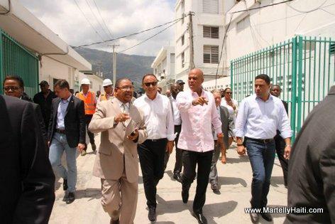 PHOTO: Haiti - President Martelly Visite Lopital General pou we travay rehabilitation ki ap fet