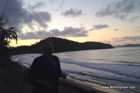 PHOTO: Sud Haiti - Premiere Dame Sophia Martelly ap Jwi yon Leve du Soleil