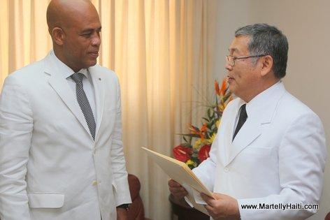 Haiti President Martelly recevant les lettres de cre ance du Nouvel Ambassadeur du Japon, Takashi Fuchigami. Takashi Fuchigami